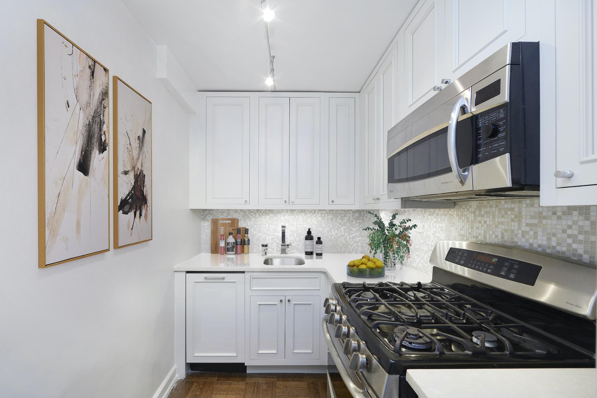 60 East 12_kitchen